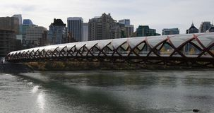 De Vredesbrug in Calgary, Canada 4K stock video