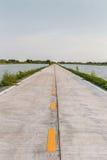 De vreedzame en rustige enige directe manier van de steegweg aan het overzees, va Stock Fotografie
