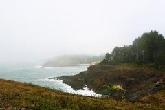 De Vreedzame kust dichtbij Santa Barbara, Californië stock foto's