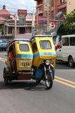 De vriendschappelijke Filipijnse Bestuurder Met drie wielen van de Motor Stock Fotografie
