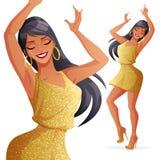 De vrij betoverende jonge dansende vrouw in gouden kleding met schittert Stock Fotografie
