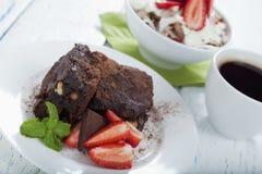De vrije brownie van het gluten en ontbijtmuesli royalty-vrije stock foto