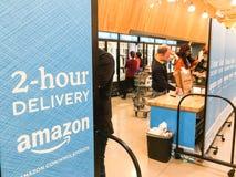 De vrije, van twee uur levering van Amazonië van Whole Foods aan Eerste leden Stock Afbeelding