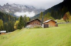 De vroege herfst in het Dolomiet Stock Afbeeldingen