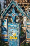 De vrolijke begraafplaats van Sapanta, Maramures, Roemenië Die begraafplaats is uniek in Roemenië en in Th Stock Afbeeldingen