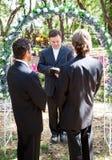 De vrolijke Ceremonie van het Huwelijk royalty-vrije stock fotografie