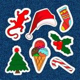 De vrolijke flarden van het Kerstmisborduurwerk Suikergoed, Santa Claus, boom, suikergoed Reeks Gelukkige Nieuwjaarstickers, spel Stock Foto