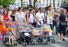 De vrolijke Parade van de Trots om vrolijke rechten te steunen Royalty-vrije Stock Foto's