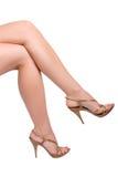De vrouw betaalt met high-heeled schoenen Stock Afbeeldingen
