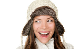 De vrouw die van de winter zijdelings gelukkig kijkt Stock Afbeelding