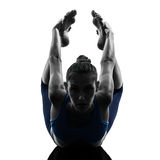 De vrouw die yogaboog uitoefent stelt Stock Afbeeldingen