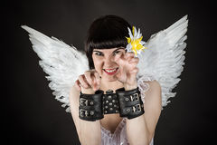 De vrouw in een beeld van een engel shackled Royalty-vrije Stock Afbeelding