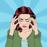 De vrouw heeft een hoofdpijn Vrouwenspanning Spanning thuis Royalty-vrije Stock Afbeeldingen