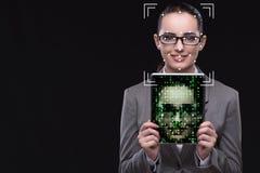 De vrouw in het concept van de gezichtserkenning royalty-vrije stock foto's