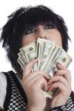 De vrouw houdt contant geld Stock Foto's