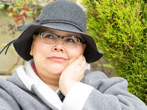 De vrouw met Borstkanker houdt Vrolijke Regeling Stock Afbeelding