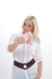 De vrouw toont bankbiljetten Stock Foto's