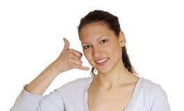 De vrouw toont telefoonteken Stock Foto