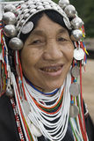 De vrouw van Akha in noordelijk Thailand Stock Afbeelding