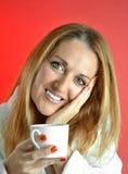 De Vrouw van Beautuful met kop van Koffie Stock Afbeeldingen