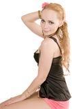 De vrouw van Blondy met bloem in lang haar Stock Fotografie