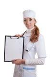 De vrouw van de arts met stethoscoop Royalty-vrije Stock Afbeeldingen