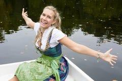 De Vrouw van de blonde in Dirndl Royalty-vrije Stock Afbeeldingen