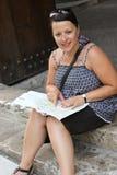 De vrouw van de lezing Royalty-vrije Stock Afbeeldingen
