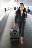 De Vrouw van de luchthaven stock afbeeldingen