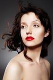 De vrouw van de luxe met sappige rode lippen Stock Foto