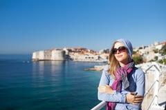 De vrouw van de toerist royalty-vrije stock afbeeldingen