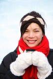 De vrouw van de winter met koffie Stock Foto's