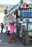 De Vrouw van Guatemala in Markt Chichicastenango stock afbeelding