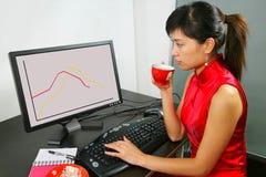 De vrouw van het bureau stock afbeelding