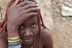 De vrouw van Himba in Namibië Stock Afbeeldingen