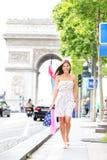 De vrouw van Parijs het winkelen stock fotografie