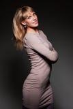 De vrouw van Smiley in kleding Royalty-vrije Stock Afbeelding