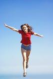 De vrouw vliegt in de hemel Stock Foto