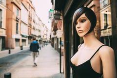 De vrouwelijke Ledenpop kleedde zich in Vrouwelijke Vrijetijdskleding die zich dichtbij bevinden royalty-vrije stock fotografie