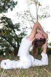 De vrouwelijke Meester van de Yoga Stock Afbeelding