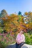 De vrouwelijke Overlevende die van Borstkanker Levensstijl hervatten Royalty-vrije Stock Afbeeldingen