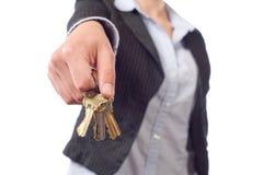De vrouwelijke sleutels van de onroerende goederenagent Royalty-vrije Stock Afbeelding