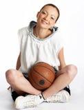 De vrouwelijke speler van de mandbal Stock Foto's