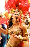 De vrouwelijke uitvoerders Londen Engeland van Carnaval van de Nottingsheuvel stock fotografie