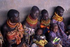 De vrouwen en de kinderen van Turkana Stock Fotografie