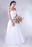 De vrouwen in huwelijk kleden zich Stock Foto's