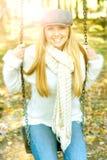 De vrouwen van het geluk in park Stock Foto's