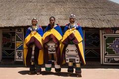 De vrouwen van Ndebele stock fotografie