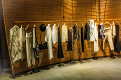de vrouwen vormen kledingswinkel royalty-vrije stock foto