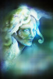 De vrouwengezicht van de Fairytalefee op abstracte achtergrond met onduidelijk beeldeffect royalty-vrije illustratie